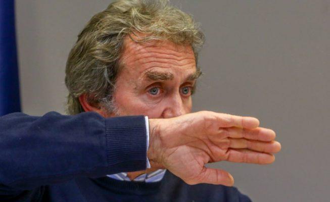 Fernando Simón responde a la actriz Victoria Abril