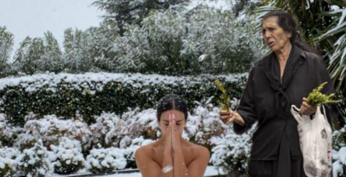 Cristina Pedroche medita desnuda en la nieve: memes en 3, 2, 1…