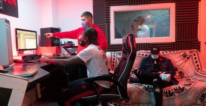 De Chimisay para el mundo: crear y vender música urbana desde el barrio es posible
