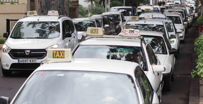 Los taxistas, que hoy repiten protesta en las Ramblas, anuncian más movilizaciones