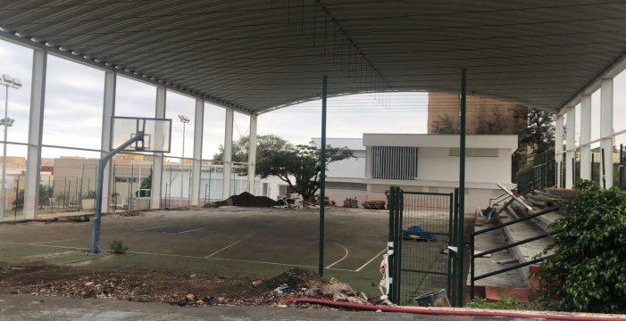 El PSOE denuncia que las obras del polideportivo de Las Delicias están paradas desde septiembre