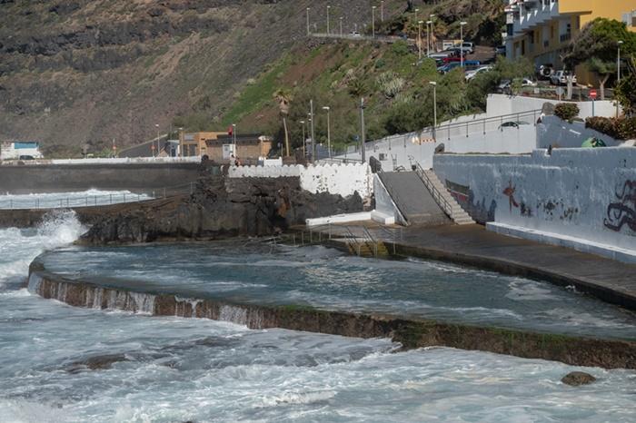 Los pescadores reclaman un pequeño dique o escollera que les permita faenar la mayor parte del año. Fran Pallero