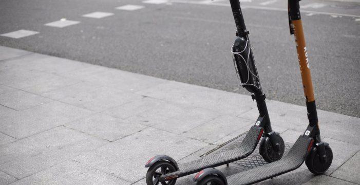 Desde este sábado, los patinetes eléctricos no podrán circular por aceras ni zonas peatonales
