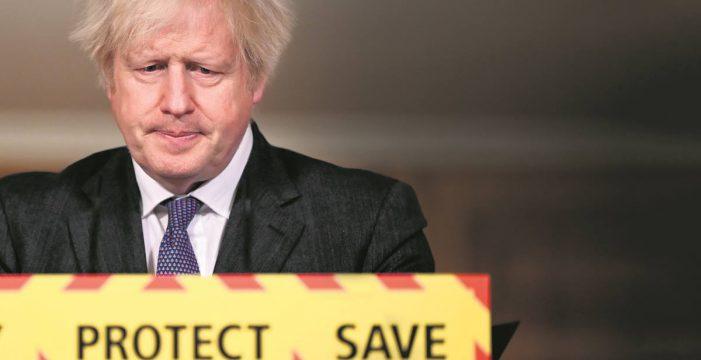 La alarma por la cepa británica, más mortífera, remata al turismo