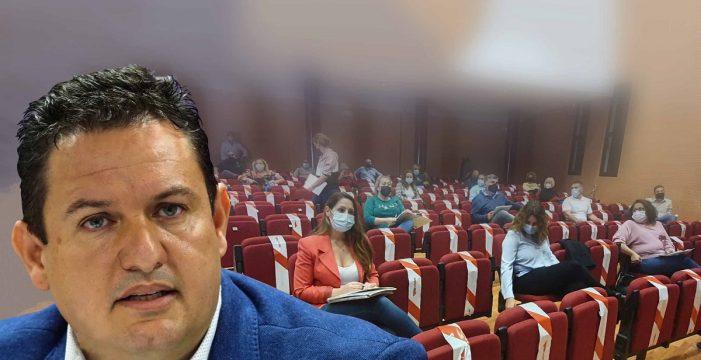 Arde Arona: PSOE y oposición asedian al alcalde, que resiste en los tribunales