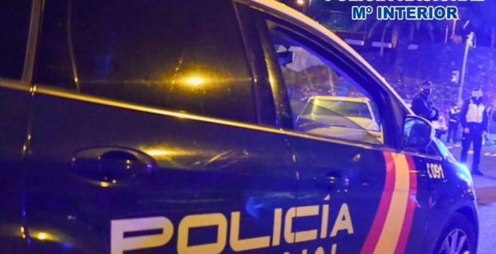 Desalojan una fiesta ilegal frente a la comisaría de la Policía Nacional de Santa Cruz