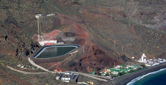 Los grandes embalses para el almacenamiento de aguas (VI): El Hierro y Gorona del Viento