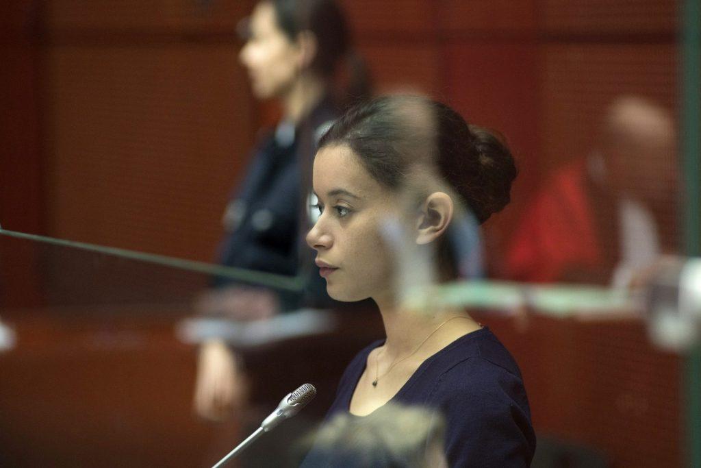 Melissa Guers interpreta a 'La chica del brazalete', acusada de haber asesinado a su mejor amiga.