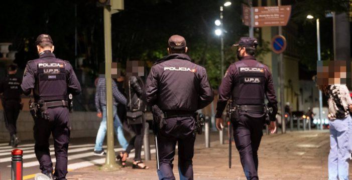"""7.000 policías en las calles para evitar el desmadre en Canarias: """"No hay nada que festejar"""""""