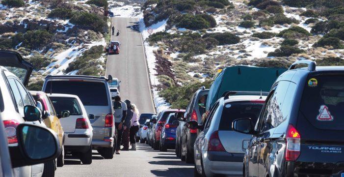 Las visitas al Teide solo se harán en guaguas turísticas cuando esté lleno el aforo de aparcamientos