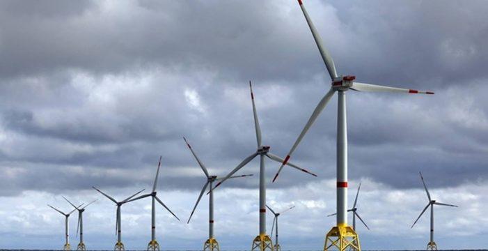 Canarias puja por el mayor parque eólico flotante de España