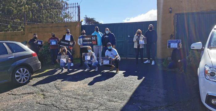 Le montan un escrache al alcalde y a la edil de Hacienda en El Rosario