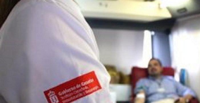 Canarias necesita 300 donantes de sangre al día