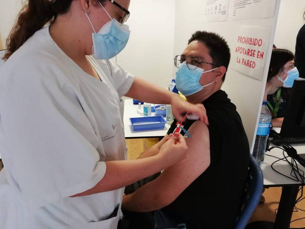 El Archipiélago ha administrado 75.334 dosis de Pfizer y Moderna, más del 91% de las vacunas que ha recibido. DA