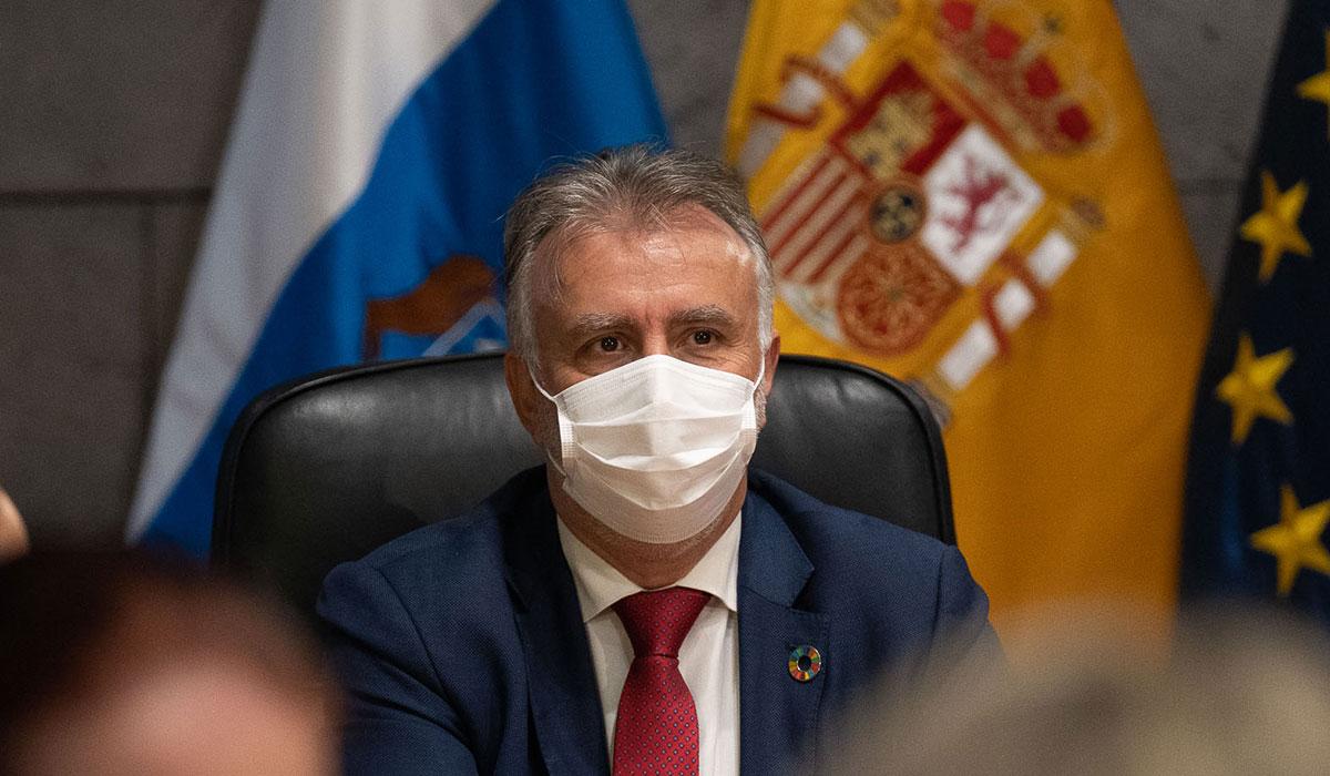 El presidente de Canarias, Ángel Víctor Torres, en una reunión del Consejo de Gobierno