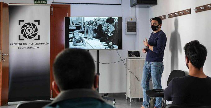 El fotoperiodista Ángel Navarrete profundiza sobre las enfermedades raras