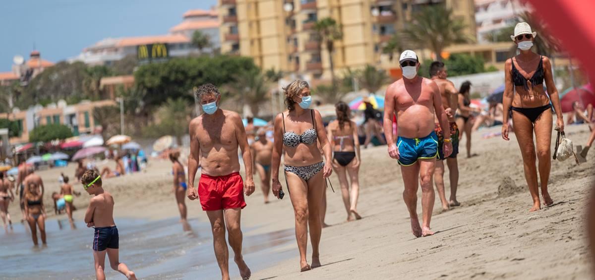 Mascarillas en la playa.