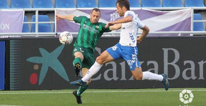 El Tenerife se empeña en estirar el chicle de una temporada para el olvido (1-1)