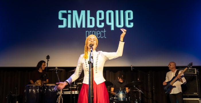 Simbeque Project elige el Teatro Leal para presentar en directo su tercer disco