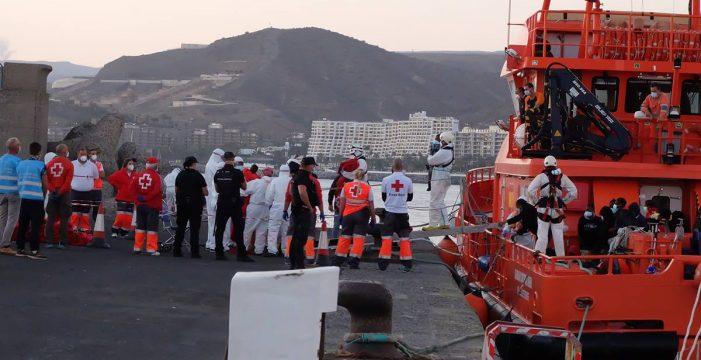Rescatan una patera con 42 personas al sur de Gran Canaria