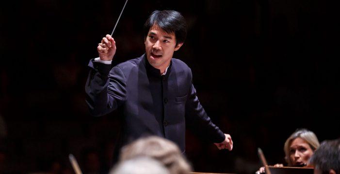 Perry So dirige a la Sinfónica de Tenerife en un concierto dedicado a la música rusa