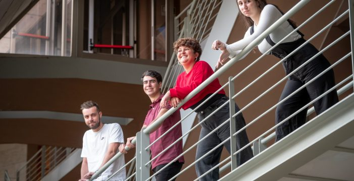 'La caja solidaria': la universidad vuelve a volcarse con los migrantes
