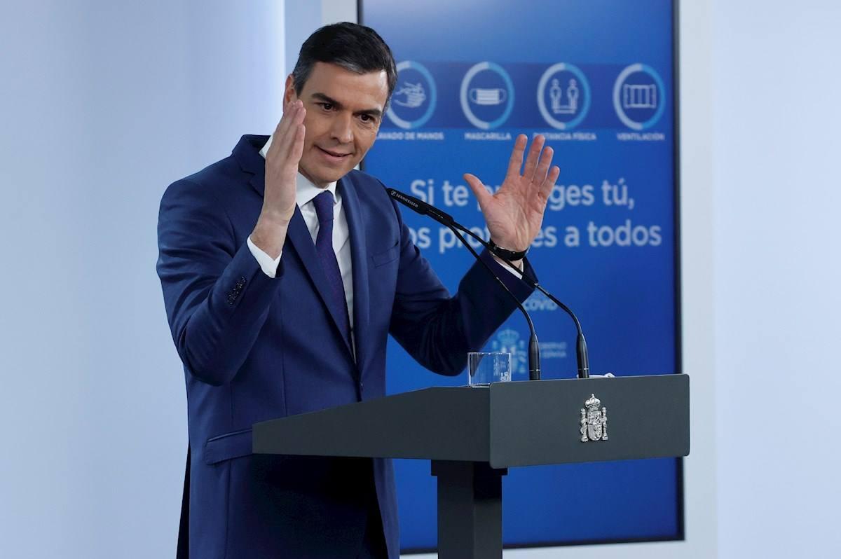 El presidente del Gobierno, Pedro Sánchez, en rueda de prensa tras la reunión del Consejo de Ministros, este martes en el Palacio de la Moncloa. EFE/ Zipi