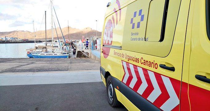 Salvamento rescata a los ocupantes de dos pateras cerca de Fuerteventura