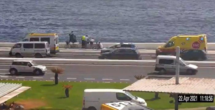 Le da un ataque de ansiedad en la cola para pedir asilo y se tira a una autovía de Gran Canaria