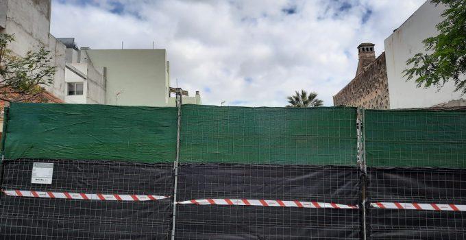 Los promotores de la obra de la Calle Real, en Los Llanos, defienden que se cumplía con la licencia