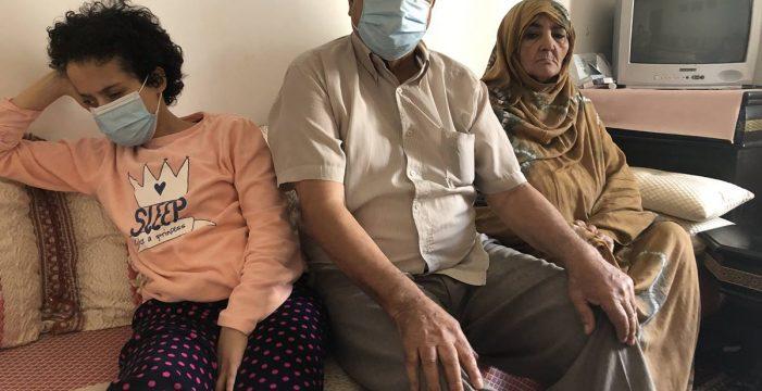 Un jubilado, su hija ciega y su mujer enferma, a punto de quedarse sin casa