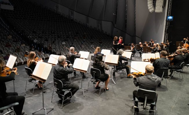 La Orquesta Sinfónica de Tenerife reúne a 250 escolares en torno a 'Beethoven y otros héroes'