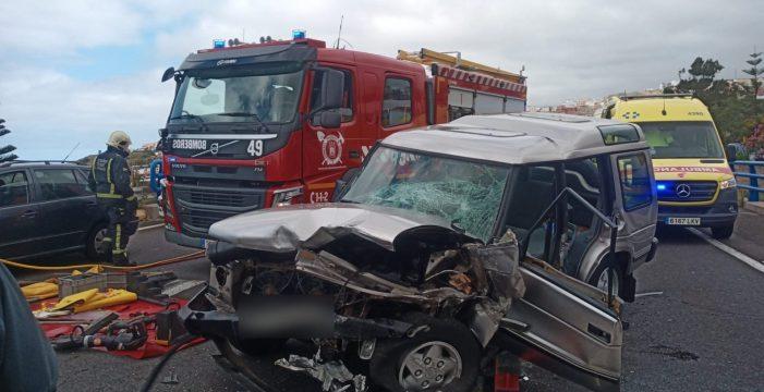 Tres heridos en la colisión de dos vehículos en Icod de los Vinos