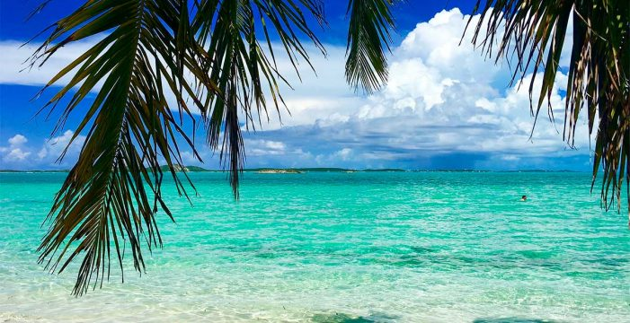 ¿Cuidar una isla privada en las Bahamas por 100.000 euros? Es lo que promete esta oferta de trabajo para parejas
