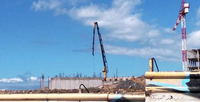 Ordenan la paralización de las obras del hotel de La Tejita