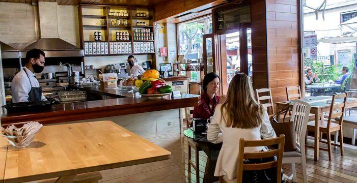El sector de la hostelería alaba el paso de Tenerife a la fase 2