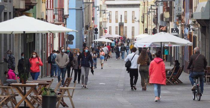 Canarias pide prorrogar la limitación de reuniones en encuentros familiares y sociales hasta finales de agosto