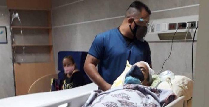 Juan Carlos consigue operarse en Venezuela, pero aún recoge donativos para pagar al Hospital