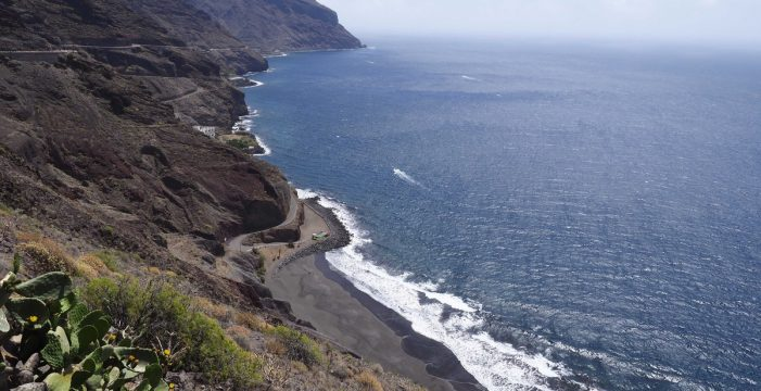 Cerrados los accesos a las playas de Anaga por la alta afluencia