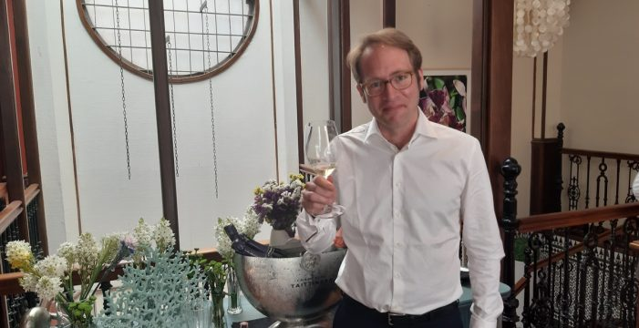 Sal y pimienta: Clovis Taittinger promociona su champagne