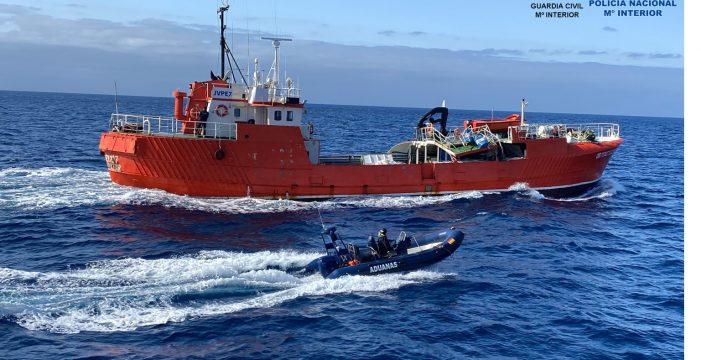 Abordan un pesquero con 15 toneladas de hachís que se dirigía a Canarias