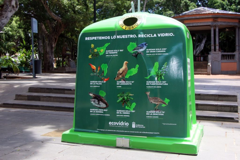 El simple gesto de depositar los envases de vidrio en el contenedor verde tiene un efecto directo en el cuidado y protección de nuestro entorno