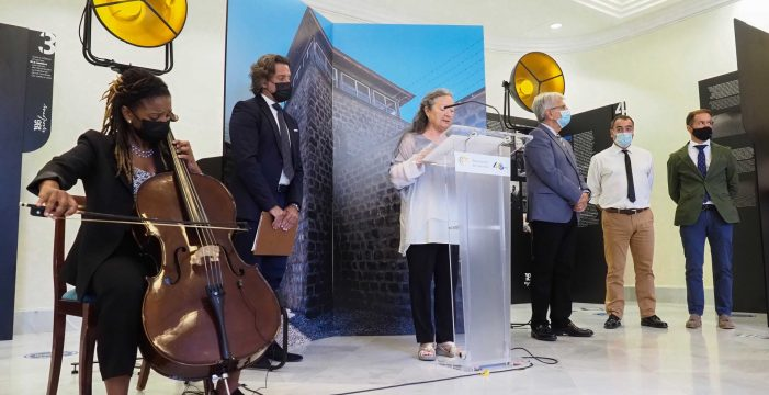 El Parlamento regional honra la memoria de los canarios en Mauthausen