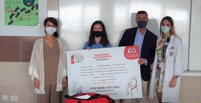 Lucía Reyes Galván, ganadora de la 60 edición del Concurso de Relato Corto de Coca-Cola en Canarias