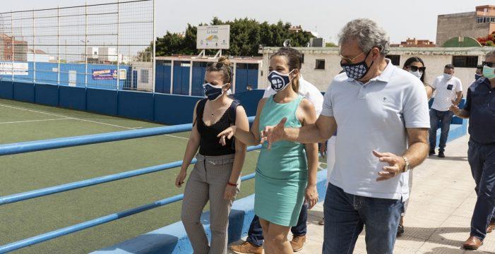 El PSOE exige empezar a rehabilitar el campo de fútbol de La Salud tras los retrasos del Ayuntamiento