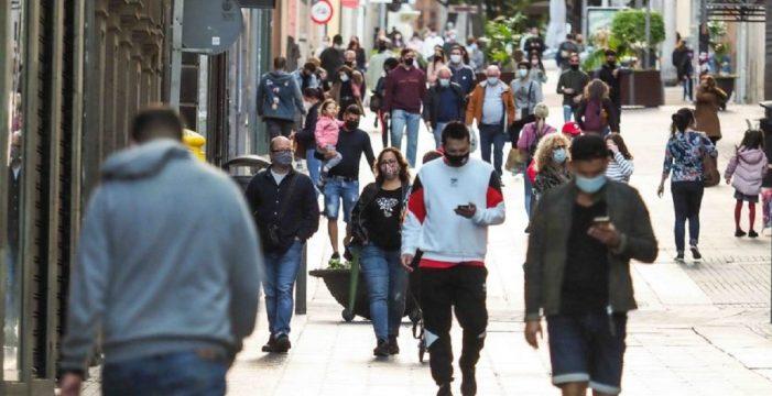 Sanidad subirá el nivel de alerta en Tenerife si no ataja la curva en días