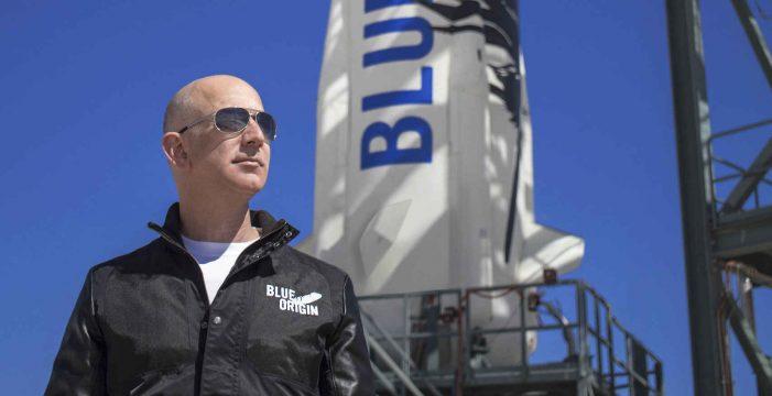 Jeff Bezos vuela al espacio: completa la primera misión de Blue Origin con tripulación