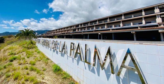 Saltan las alarmas en el Hospital de La Palma por un brote con al menos tres positivos