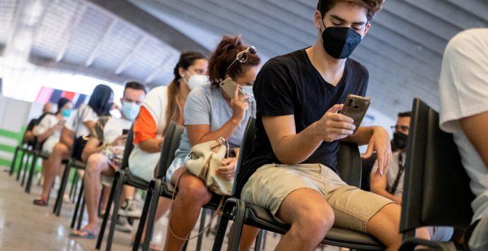 Los jóvenes a partir de 14 años podrán vacunarse desde mañana en Tenerife y Gran Canaria