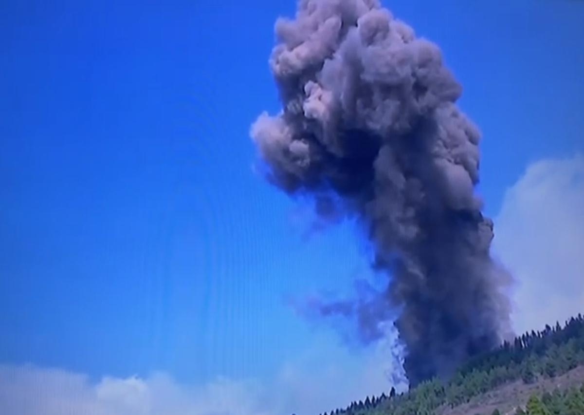 Entra en erupción la Cumbre Vieja de La Palma